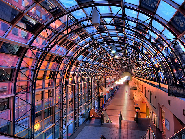 Flickr_-_paul_bica_-_skywalk