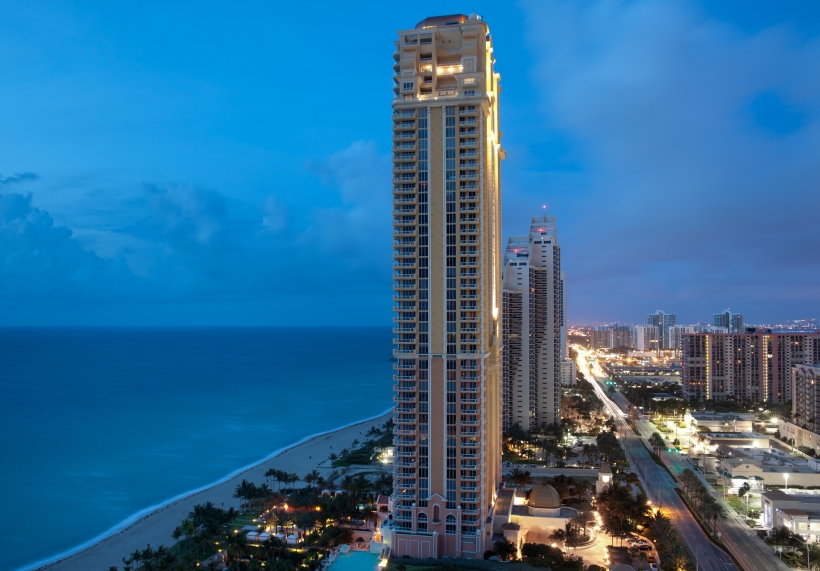 Photo by Jimmy Baikovicius: Sunny Isles, Miami, Florida, USA. This file is licensed under the Creative Commons Attribution-Share Alike 2.0 Generic license.
